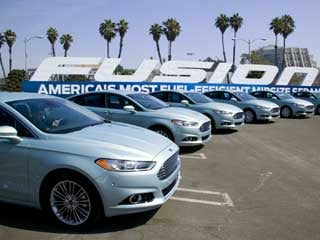 The 2013 Ford Fusion (©Ford Motor Company)