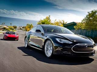 The Tesla Model S Alpha & Roadster (©Tesla Motors)