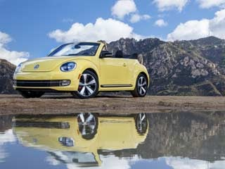 The 2013 Beetle Convertible (©Volkswagen of America, Inc.)