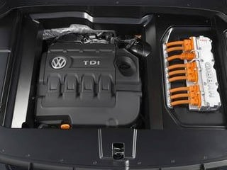 Volkswagen CrossBlue turbo engine (© Volkswagen of America)