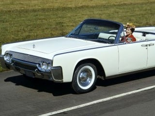 Shown above is a 1961 Lincoln Continental similar to the one up for auction (© Ford Motor Co.)