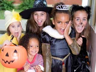 keep halloween safe driving tips for parents - Trick R Treat Halloween Costume