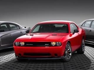 2014 Dodge Challenger SRT (©Chrysler)