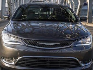 2015 Chrysler 200 (©Chrysler)