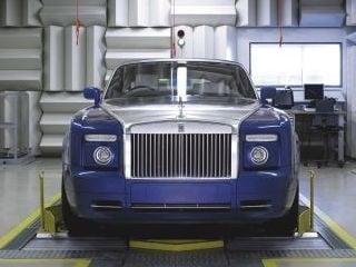 Rolls Royce testing line (©Rolls Royce Motor Cars Limited)